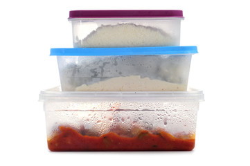 plastic containers with food