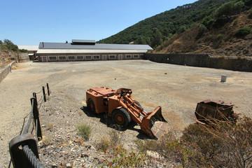 Veduta dall'alto dell'entrata delle miniere di Montevacchio