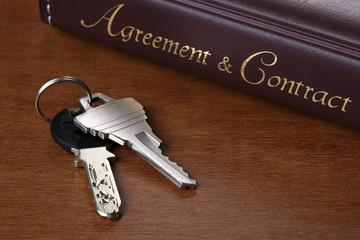 契約書と鍵