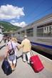 voyageurs en gare de bourg saint maurice - savoie
