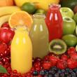 Früchte Smoothies aus Orangen, Erdbeeren und Kiwi