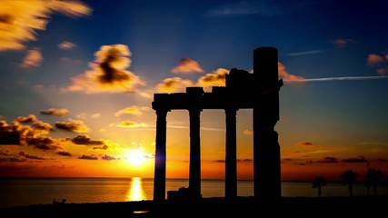 ruines on sunset