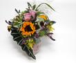 Blumenstrauß mit Rosen und Sonnenblume