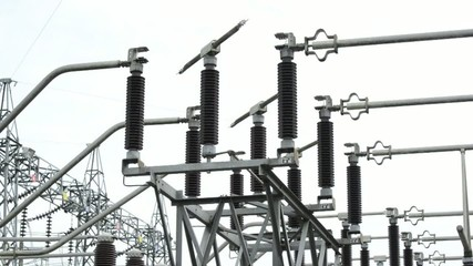 Electric power substation, high-voltage support