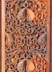 Wood carving of flower motif pattern