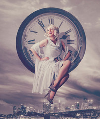 time for nightlife / Marilyn Monroe 06