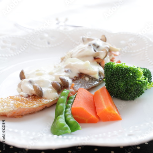 french food, sauteed salmon with white sauce