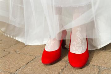 Stöckelschuhe & Brautkleid
