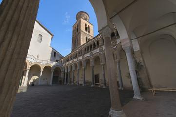 Duomo di Salerno: il cortile