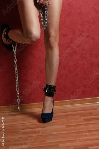 Legs with Chain