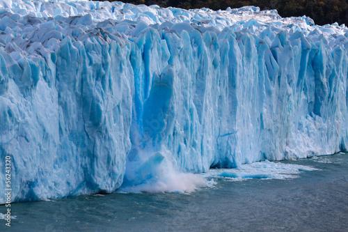 Perito Moreno kalbt - 56243320