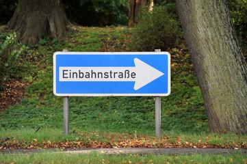 Einbahnstraße, Schild, Wegweiser, Richtung, alternativlos
