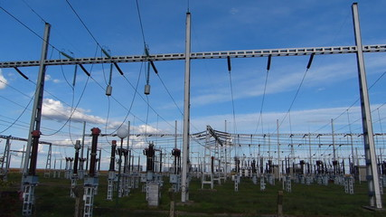 High-voltage substation power transformer