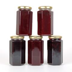 Fünf Gläser Marmelade
