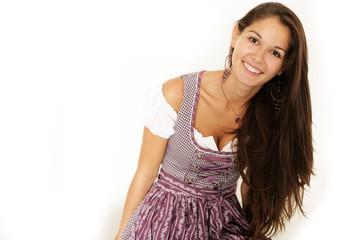 Süßes Mädchen trägt Tracht