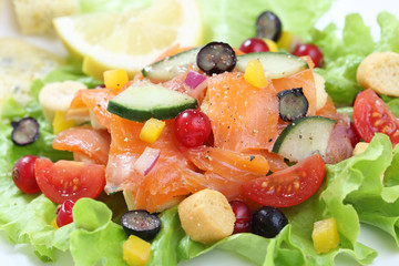 salmon salad with berries fruit