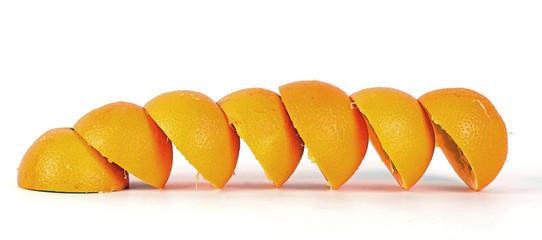 Halbe Orangenschalen