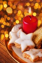 Advent - festliches Licht und duftendes Gebäck