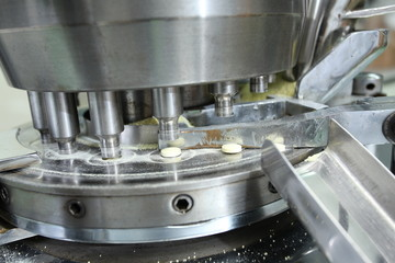 Pharmaceutical machine operating