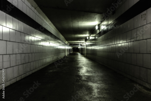 In de dag Tunnel Empty tunnel