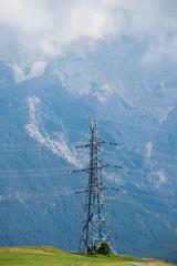 Traliccio elettrico in montagna
