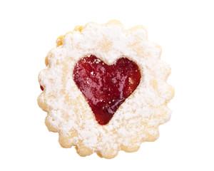Keks: Spitzbube mit rotem Herz auf weißem Hintergrund