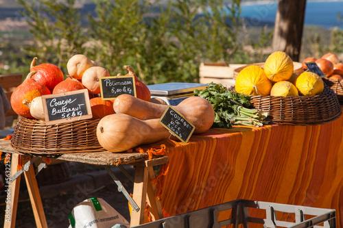 Papiers peints Au marche marché aux légumes bio-corse