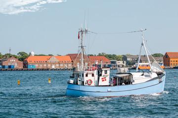 Altes Fischerboot  vor Amaliehaven in Kopenhagen