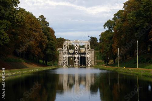 Plexiglas Kanaal Anciens ascenseurs à bateaux hydrauliques