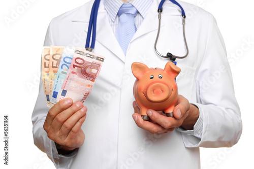canvas print picture Arzt mit Geld und Sparschwein
