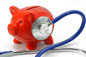 sparschwein mit stethoskop