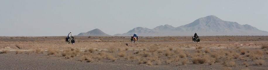 Voyage à vélo dans le désert