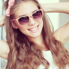 beautiful glamour woman in sunglasses