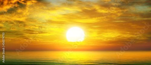 Fototapeta sunrise over the sea