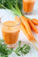 fresh juice and carrots