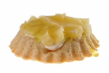 kleines leckeres Törtchen mit Ananas