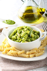 Pasta with rocket cream and sage