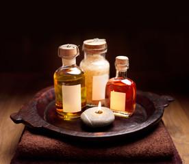 wohltuendes Massageöl, Badesalz und Aromatherapie-Öl