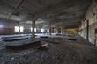 opuszczona hala fabryczna