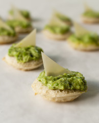 Basil crostini with cheese