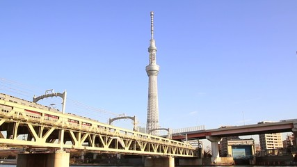 隅田川側からの東京スカイツリー