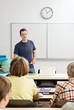 Lehrer beim Seminar