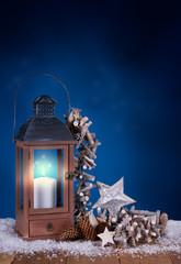 Weihnachtliche Stimmung mit Laterne