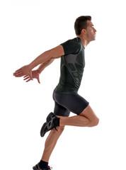 Saludable hombre deportista corriendo en fondo blanco.