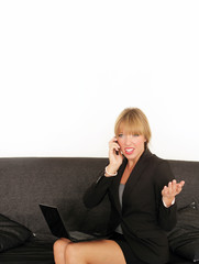 Businessfrau mit Telefon