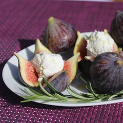 figue bleue farcie, figs, figue, fromage, cheese, miel