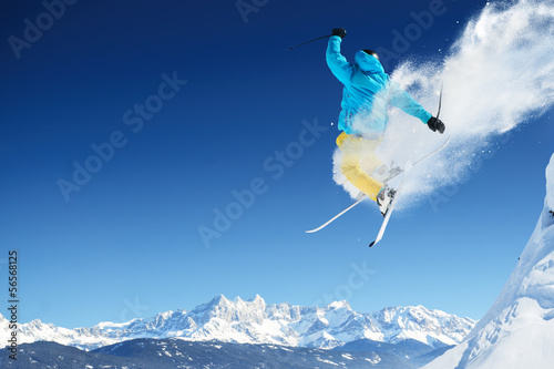 Papiers peints Glisse hiver Jumping skier