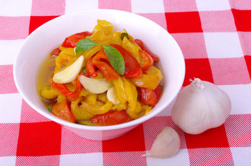 insalata di peperoni arrostiti