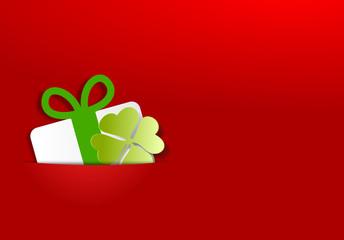 Karte rot - Geschenk und Kleeblatt