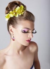 Visage. Stylish Woman with Trendy Mascara. Glamour